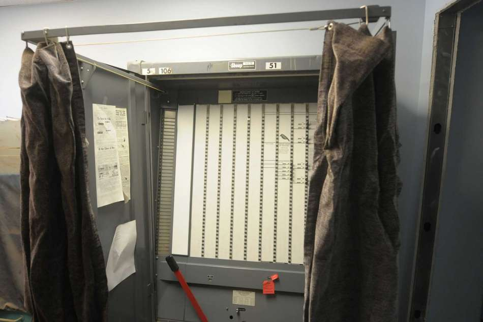 How lever-action voting machines really worked